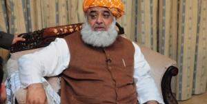 Fazal Ur Rehman Narrowly Escapes Suicide Attack In Quetta